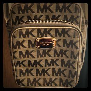 Michael Kors like new small purse.